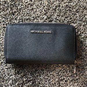 Michael Kors wallet/wristlet